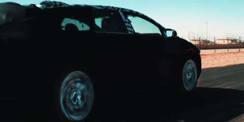 Motor vehicle, Automotive design, Automotive exterior, Automotive tire, Automotive lighting, Car, Rim, Automotive mirror, Vehicle door, Fender,