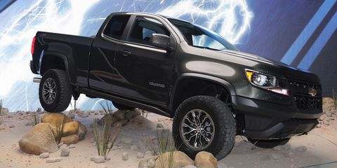 Wheel, Tire, Motor vehicle, Automotive tire, Automotive design, Vehicle, Automotive exterior, Truck, Land vehicle, Rim,
