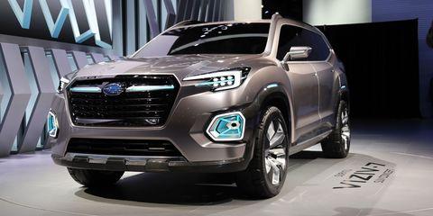 Motor vehicle, Tire, Automotive design, Vehicle, Land vehicle, Automotive tire, Car, Grille, Fender, Headlamp,