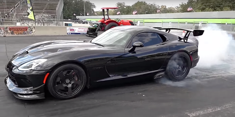Watch the World's Quickest Dodge Viper Rip an 8.4-Second 1/4 Mile