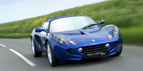 Tire, Mode of transport, Automotive design, Vehicle, Headlamp, Land vehicle, Car, Performance car, Hood, Fender,