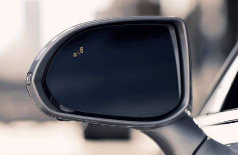 From 2014 and forward, the U.S. government made it mandatory for all new cars and trucks to have backup cameras as standard equipment. Smart blind-spot monitoring, which is standard on the Genesis G90, takes the holistic view of the road a step further. A light illuminates in the side-view mirrors if another vehicle enters the G90's blind spot, and supplemental haptic feedback on the steering wheel ensures that drivers make safe, smooth lane changes.