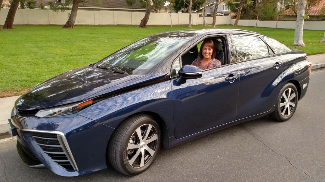 8 things you must know before buying a fuel cell vehicle what life with a hydrogen powered car is like publicscrutiny Choice Image