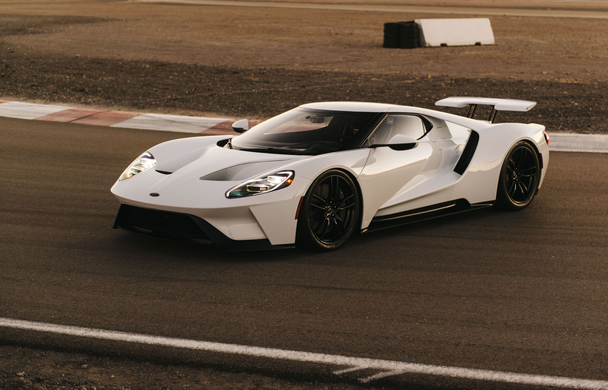 An In-Depth Explanation of the 2017 Ford GT's Five Drive Modes