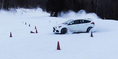 Winter, Vehicle, Automotive design, Automotive tire, Freezing, Car, Snow, Rim, Automotive mirror, Slope,