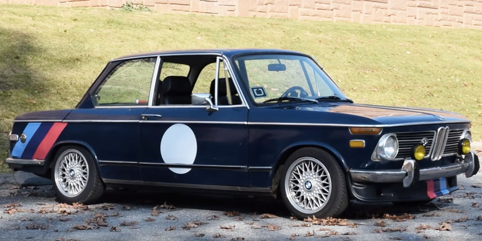 The BMW 2002 Is a Vintage Car That Doesn\'t Feel Old