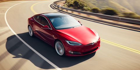 Tesla Limits Newest Vehicles to a Maximum Self-Driving Speed of 45MPH