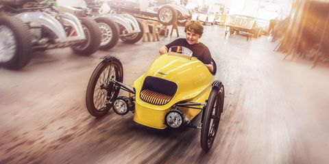 Tire, Wheel, Motor vehicle, Automotive tire, Automotive design, Mode of transport, Vehicle, Automotive wheel system, Land vehicle, Rim,