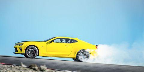 Tire, Wheel, Automotive design, Yellow, Vehicle, Automotive tire, Rim, Car, Hood, Alloy wheel,