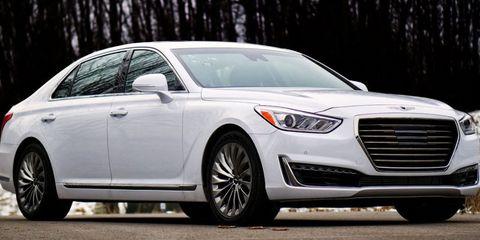 Land vehicle, Vehicle, Car, Automotive design, Motor vehicle, Mid-size car, Luxury vehicle, Personal luxury car, Tire, Grille,