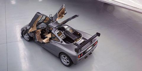 Motor vehicle, Tire, Wheel, Mode of transport, Automotive design, Automotive exterior, Vehicle, Vehicle door, Automotive wheel system, Rim,