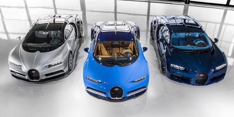 Land vehicle, Vehicle, Car, Automotive design, Bugatti, Bugatti veyron, Supercar, Sports car, Hood, Auto show,