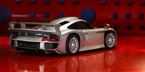 Land vehicle, Vehicle, Car, Sports car, Supercar, Coupé, Porsche 911 gt1, Model car, Scale model, Performance car,