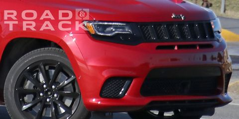 Land vehicle, Vehicle, Car, Bumper, Grille, Sport utility vehicle, Hood, Automotive exterior, Compact sport utility vehicle, Jeep,