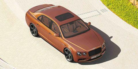 Land vehicle, Vehicle, Luxury vehicle, Car, Bentley, Automotive design, Full-size car, Personal luxury car, Sedan, Mid-size car,