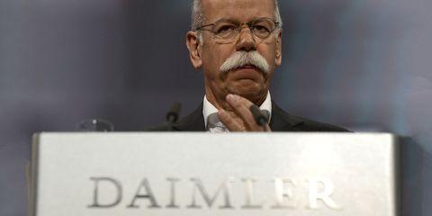 Forehead, Chin, Spokesperson, Public speaking, Moustache, Photo caption, Speech, Gesture,