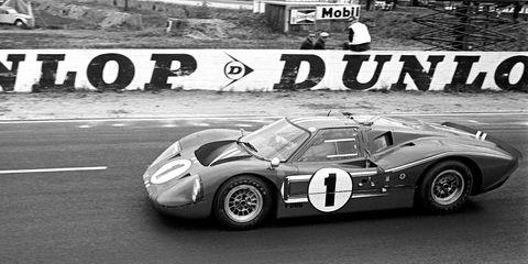 Land vehicle, Vehicle, Race car, Car, Sports car, Sports prototype, Porsche 906, Ford gt40, Sports car racing, Porsche 904,