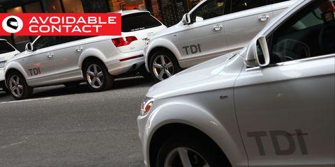Land vehicle, Vehicle, Car, Motor vehicle, Automotive design, Transport, Audi q7, Sport utility vehicle, Audi, Wheel,