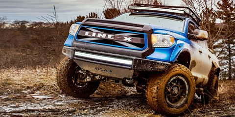Land vehicle, Vehicle, Car, Tire, Off-roading, Automotive tire, Bumper, Wheel, Automotive exterior, Off-road racing,