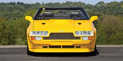 Land vehicle, Vehicle, Car, Yellow, Sports car, Supercar, Automotive design, Coupé, Hood, Automotive exterior,