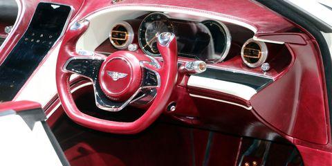 Land vehicle, Vehicle, Car, Motor vehicle, Steering wheel, Steering part, Classic car, Vehicle door, Automotive exterior, Auto part,