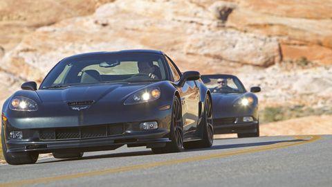Automotive design, Vehicle, Land vehicle, Car, Performance car, Fender, Sports car, Personal luxury car, Rim, Automotive exterior,
