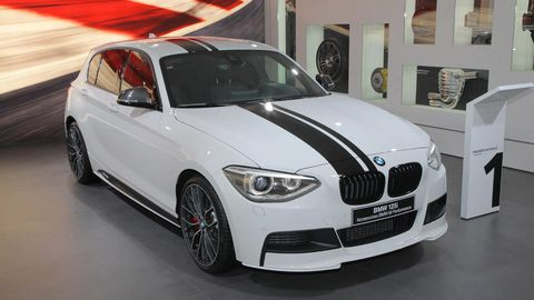 Automotive design, Vehicle, Hood, Automotive tire, Car, Grille, Rim, Automotive mirror, Automotive lighting, Alloy wheel,