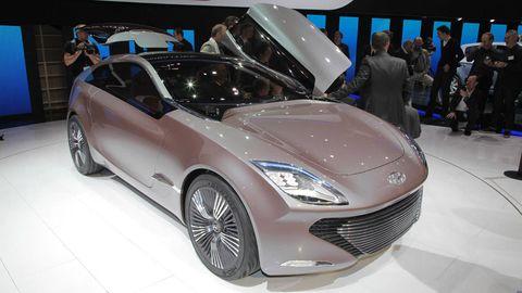 Tire, Wheel, Automotive design, Vehicle, Event, Land vehicle, Headlamp, Car, Auto show, Personal luxury car,