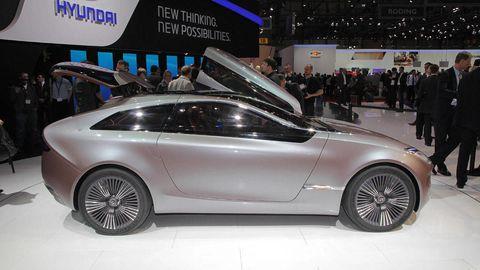 Tire, Wheel, Automotive design, Vehicle, Event, Land vehicle, Alloy wheel, Rim, Car, Performance car,