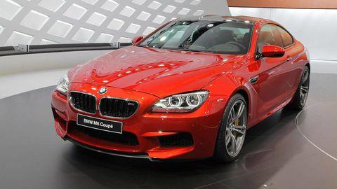Automotive design, Vehicle, Grille, Hood, Car, Personal luxury car, Fender, Rim, Luxury vehicle, Alloy wheel,