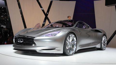Tire, Wheel, Mode of transport, Automotive design, Product, Vehicle, Car, Rim, Headlamp, Automotive lighting,