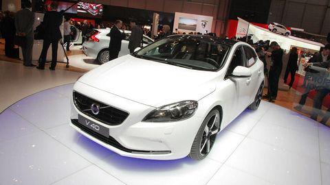 Tire, Wheel, Motor vehicle, Automotive design, Vehicle, Land vehicle, Event, Car, Grille, Personal luxury car,