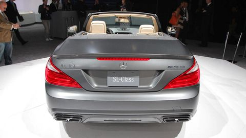 Automotive design, Mode of transport, Vehicle, Automotive exterior, Personal luxury car, Car, Automotive lighting, Luxury vehicle, Vehicle registration plate, Bumper,