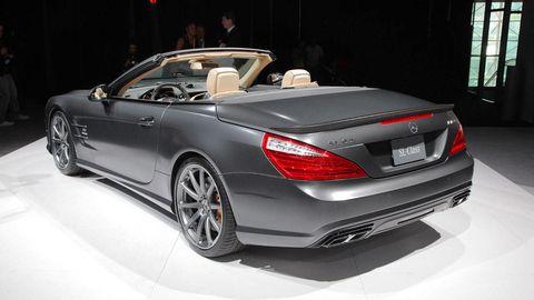 Tire, Wheel, Mode of transport, Automotive design, Vehicle, Land vehicle, Car, Mercedes-benz, Personal luxury car, Automotive lighting,
