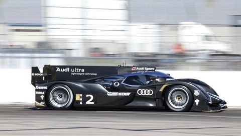 Tire, Wheel, Automotive design, Mode of transport, Automotive tire, Vehicle, Motorsport, Car, Race car, Automotive wheel system,