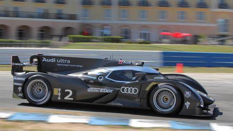 Tire, Wheel, Mode of transport, Automotive design, Vehicle, Automotive tire, Motorsport, Car, Race car, Racing,