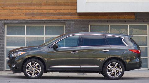 Tire, Wheel, Vehicle, Glass, Land vehicle, Window, Automotive parking light, Automotive tire, Rim, Car,