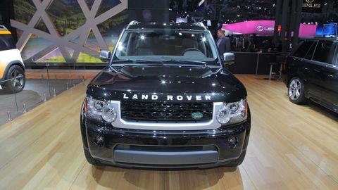 Automotive design, Vehicle, Automotive exterior, Land vehicle, Automotive lighting, Headlamp, Glass, Car, Grille, Hood,