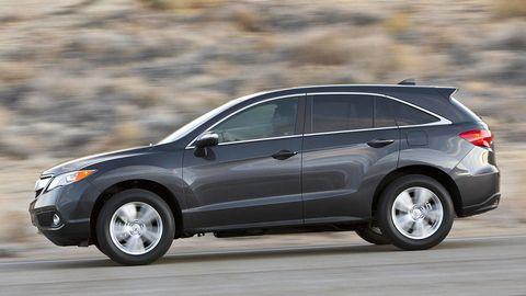 Tire, Wheel, Automotive tire, Automotive design, Vehicle, Car, Alloy wheel, Rim, Automotive mirror, Crossover suv,