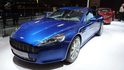 Tire, Wheel, Automotive design, Vehicle, Land vehicle, Car, Rim, Personal luxury car, Fender, Automotive wheel system,