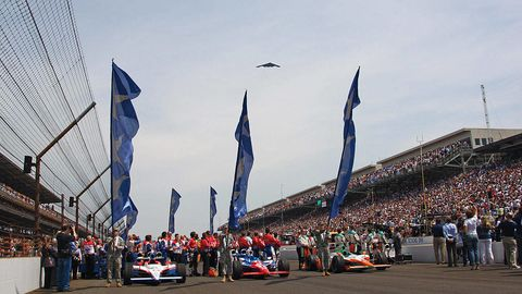 Crowd, Motorsport, Team, Race track, Race car, Audience, Flag, Auto racing, Racing, Touring car racing,