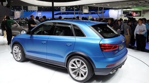 Tire, Wheel, Automotive design, Vehicle, Land vehicle, Rim, Car, Spoke, Automotive tire, Alloy wheel,