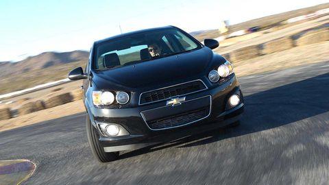 Automotive design, Vehicle, Automotive lighting, Headlamp, Hood, Land vehicle, Grille, Automotive mirror, Car, Automotive exterior,