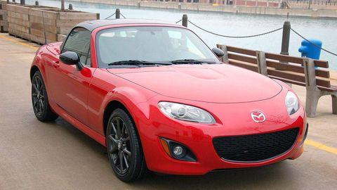 Motor vehicle, Automotive design, Vehicle, Hood, Land vehicle, Car, Headlamp, Performance car, Red, Automotive mirror,