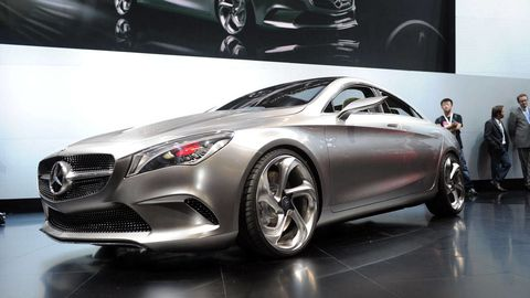 Wheel, Mode of transport, Automotive design, Vehicle, Automotive lighting, Car, Personal luxury car, Grille, Alloy wheel, Luxury vehicle,