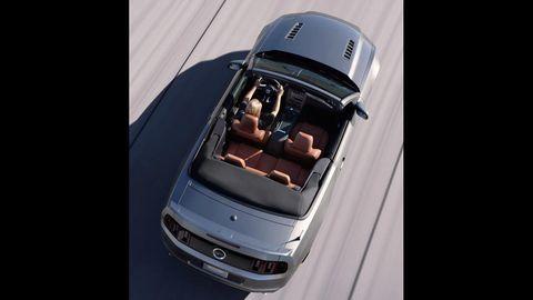Automotive design, Automotive exterior, Hood, Bumper, Luxury vehicle, Personal luxury car, Automotive mirror, Grille, Windshield, Vehicle door,