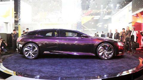 Tire, Wheel, Automotive design, Vehicle, Automotive tire, Automotive wheel system, Car, Rim, Alloy wheel, Performance car,