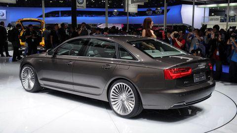 Tire, Wheel, Automotive design, Vehicle, Event, Land vehicle, Car, Alloy wheel, Rim, Spoke,