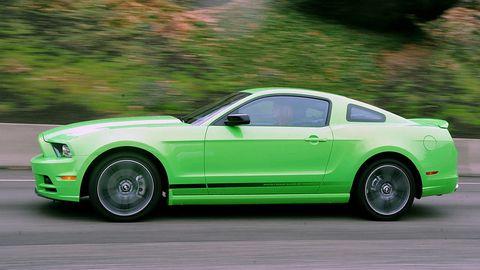 Tire, Wheel, Automotive design, Vehicle, Green, Automotive tire, Hood, Rim, Car, Alloy wheel,