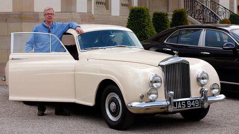 Tire, Wheel, Vehicle, Land vehicle, Automotive design, Car, Photograph, Vehicle door, Classic car, Classic,